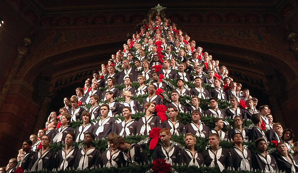 Singing Christmas Tree Muskegon 2021 Michigan Students Ascend 5 Story Singing Christmas Tree Albuquerque Journal