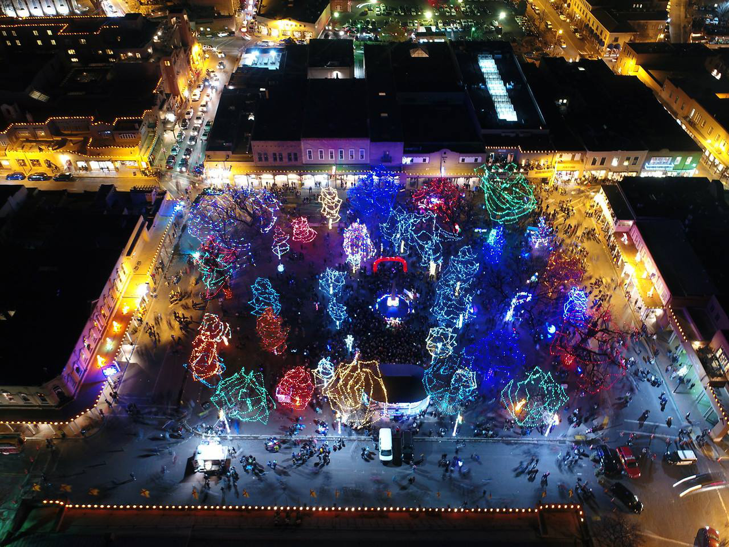 It S Beginning To Look A Lot Like Christmas Albuquerque Journal