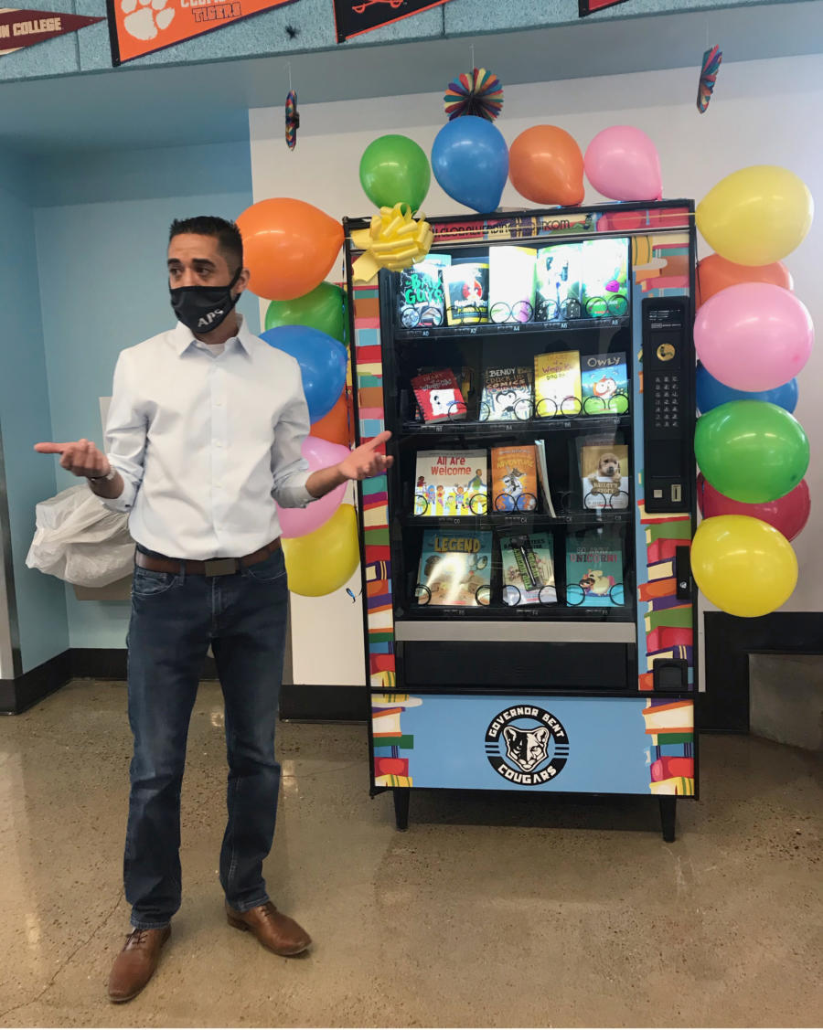 Booked up: Elementary school uses vending machine to boost reading