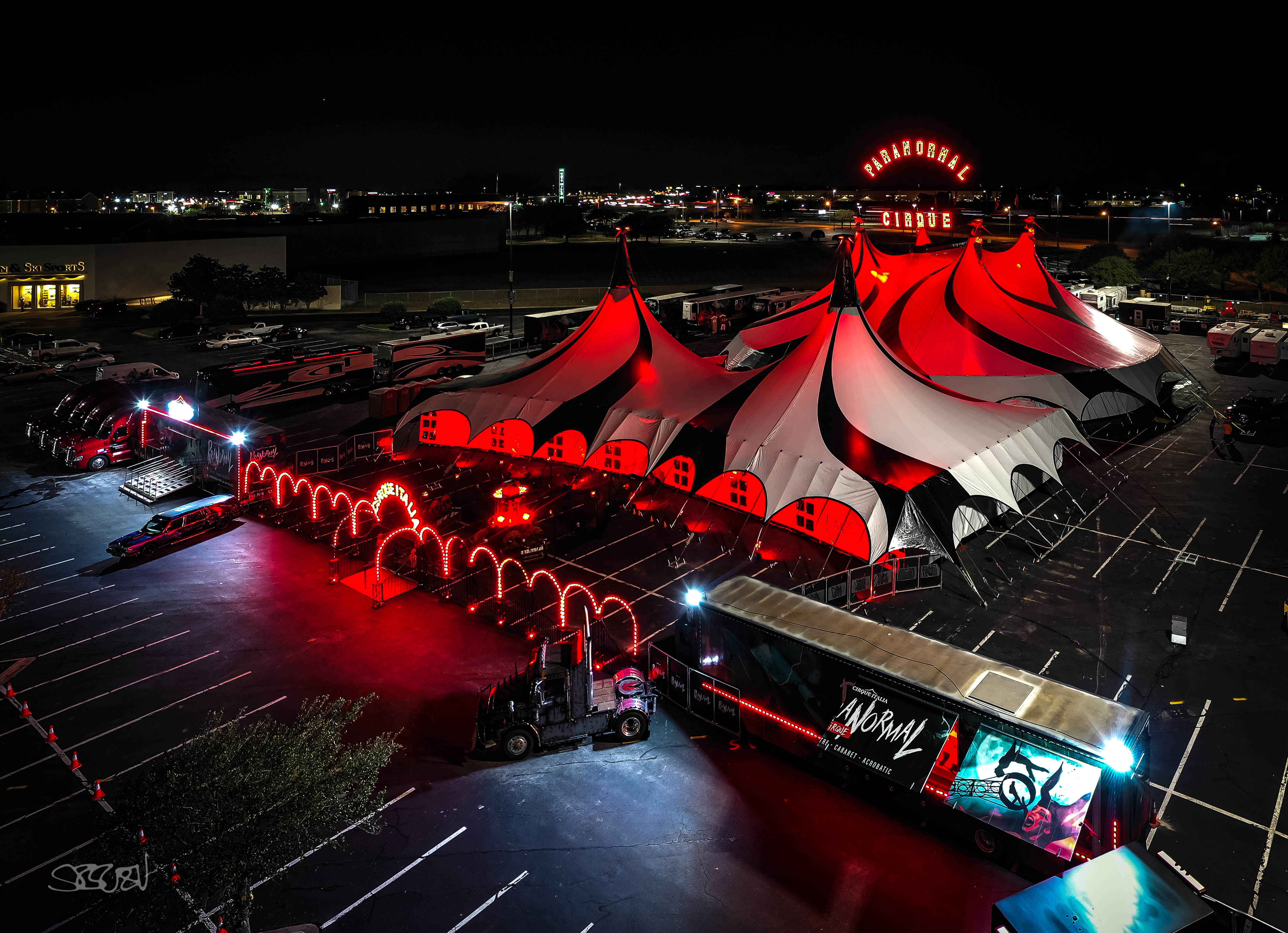 'A Halloween-ish feel': Cirque Italia brings 'Paranormal Cirque' to Cottonwood Mall parking lot